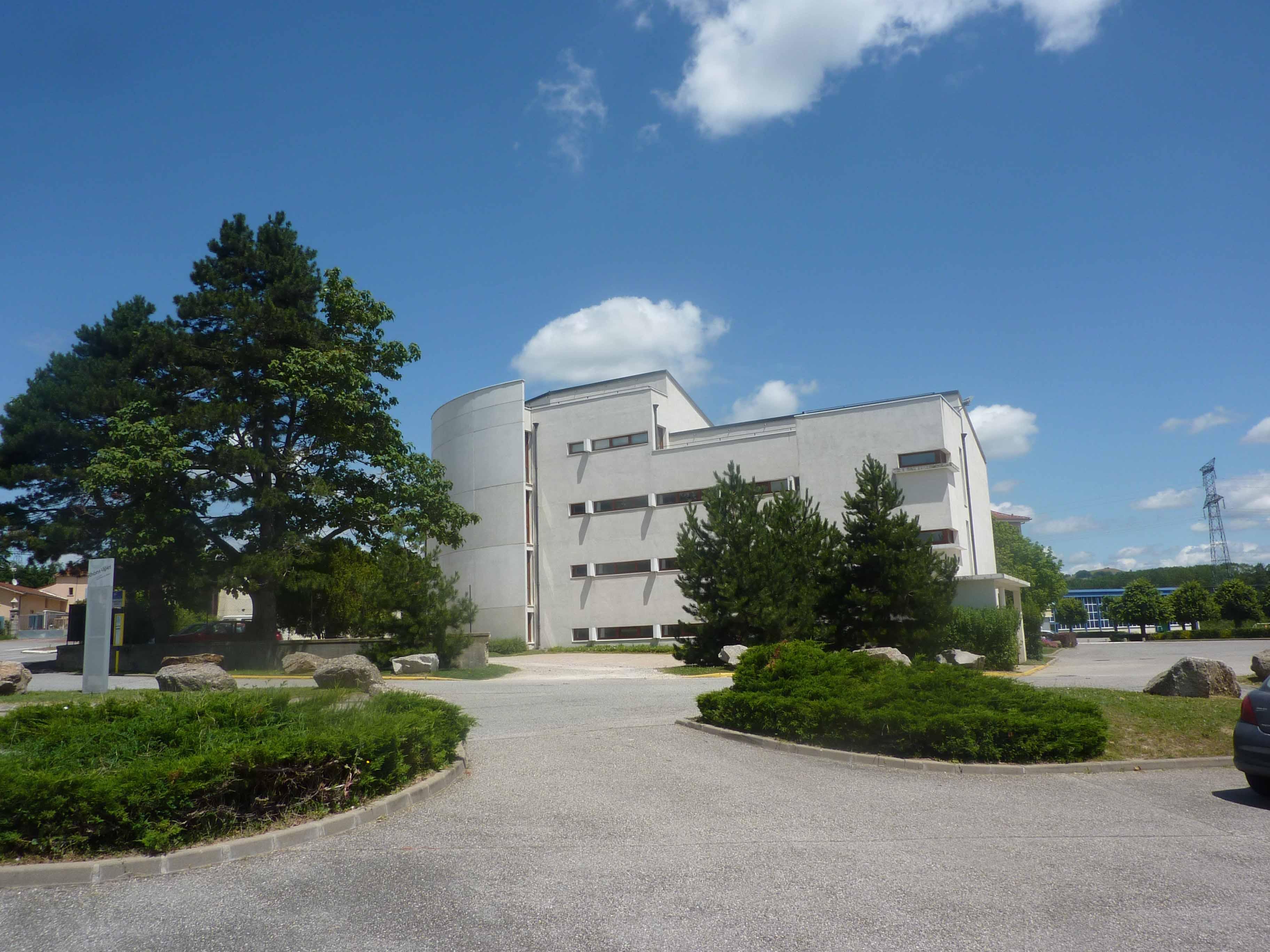 HUBERT COCAGNE-H2C ARCHITECTURE-COLLEGE ST BONNET DE GALAURE 26-N°1